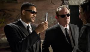 Men in Black III: Will Smith (Agent J) en Tommy Lee Jones (Agent K)