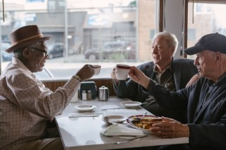 Morgan Freeman, Michael Caine en Alan Arkin in Going in Style
