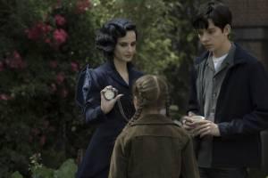Miss Peregrine's Home for Peculiar Children: Eva Green (Miss Peregrine) en Asa Butterfield (Jacob Portman)