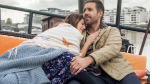 Miss You Already: Drew Barrymore (Jess) en Paddy Considine