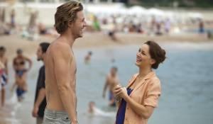 Luke Bracey (Riley) en Leighton Meester (Meg)