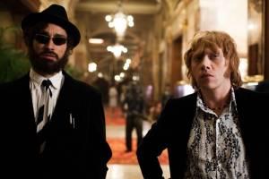 Robert Sheehan (Leon) en Rupert Grint (Jonny)