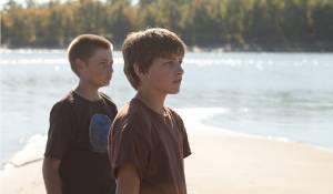 Jacob Lofland (Neckbone) en Tye Sheridan (Ellis)