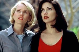 Mulholland Drive: Naomi Watts (Betty / Diane Selwyn) en Laura Harring (Rita / Camilla Rhodes (as Laura Elena Harring))