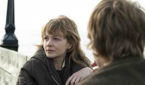Never Let Me Go: Carey Mulligan (Kathy) en Andrew Garfield (Tommy)