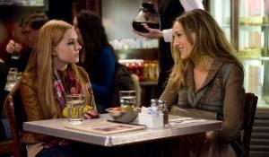 New Year's Eve: Abigail Breslin (Hailey) en Sarah Jessica Parker (Kate)