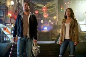 Stephen Amell (Casey Jones) en Megan Fox (April O'Neil)