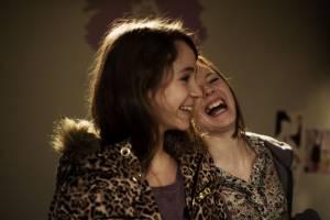 No et moi: Julie-Marie Parmentier (Nora dite No - une SDF de 18 ans) en Nina Rodriguez (Lou Bertignac - une jeune surdouée de 13 ans qui devient l'amiede No)
