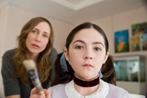 Orphan: Vera Farmiga (Kate Coleman) en Isabelle Fuhrman (Esther)