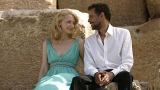 Patricia Clarkson en Alexander Siddig in Cairo Time