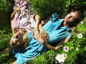 Pieds nus: Diane Kruger (Clara) en Ludivine Sagnier (Lily)