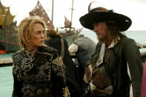 Elizabeth Swan (Keira Knightley) en Kapitein Barbossa (Geoffrey Rush) in At World's End