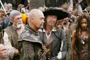 De Chinese piraat Sao Feng (Chow Yun-Fat) en Kapitein Barbossa (Geoffrey Rush) in At World's End