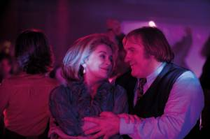 Potiche: Catherine Deneuve (Suzanne Pujol) en Gérard Depardieu (Maurice Babin)