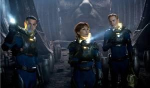 Prometheus: Logan Marshall-Green (Charlie Holloway), Noomi Rapace (Elizabeth Shaw) en Michael Fassbender (David)