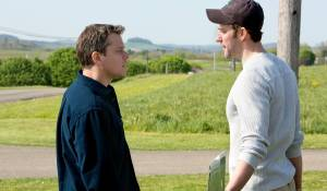 Promised Land: Matt Damon (Steve Butler) en John Krasinski (Dustin Noble)