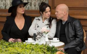 Red 2: Catherine Zeta-Jones (Katja), Mary-Louise Parker (Sarah) en John Malkovich (Marvin)
