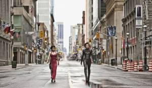 Resident Evil: Retribution: Sienna Guillory (Jill Valentine) en Milla Jovovich (Alice)