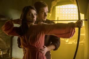 Robin Hood: Eve Hewson (Maid Marian) en Taron Egerton (Robin Hood)