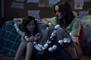 Jacob Tremblay (Jack) en Brie Larson (Ma)