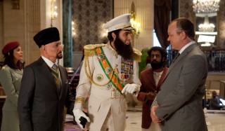 Ben Kingsley, Sacha Baron Cohen en John C. Reilly in The Dictator