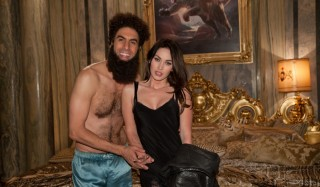 Sacha Baron Cohen en Megan Fox in The Dictator