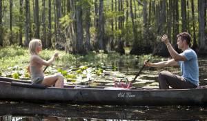 Julianne Hough (Katie Feldman) en Josh Duhamel (Alex Wheatley)