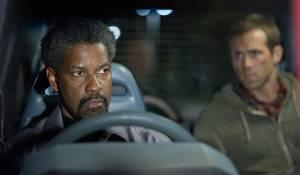 Denzel Washington (Tobin Frost) en Ryan Reynolds (Matt Weston)