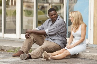 Quinton Aaron en Sandra Bullock in The Blind Side