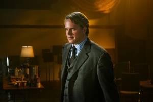Cary Elwes (Dr. Gordon)