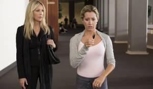 Scary Movie 5: Heather Locklear en Ashley Tisdale (Jody)