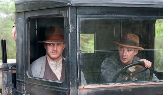 Tom Hardy en Shia LaBeouf in Lawless