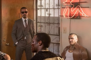 Shia LaBeouf en Lee Coc in The Tax Collector