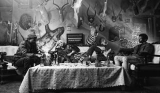 Sibs Shongwe-La Mer, Kelly Bates en Bonko Cosmo Khoza in Necktie Youth