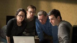 Snowden: Melissa Leo (Laura Poitras), Joseph Gordon-Levitt (Edward Snowden) en Zachary Quinto (Glenn Greenwald)