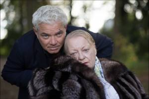 Stany Crets (Jan) en Viviane de Muynck (Mother)