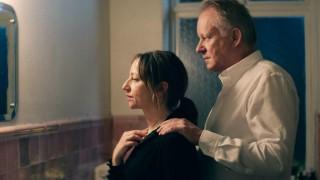 Andrea Bræin Hovig en Stellan Skarsgård in Hope