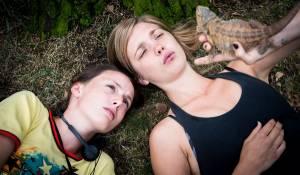 Supernova: Elise van 't Laar (Sue) en Gaite Jansen (Meis)