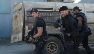 Sylvester Stallone, Jason Statham en Terry Crews (I) in The Expendables 2