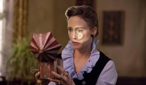 Vera Farmiga (Lorraine Warren)
