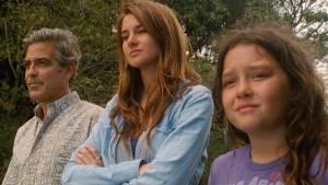 George Clooney (Matt King), Shailene Woodley (Alexandra) en Amara Miller (Scottie)