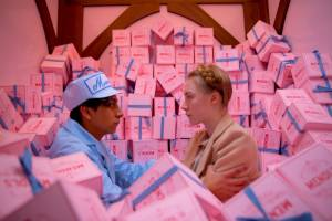 The Grand Budapest Hotel: Tony Revolori (Zero) en Saoirse Ronan (Agatha)