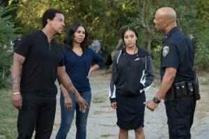 The Hate U Give: Russell Hornsby (Maverick 'Mav' Carter), Regina Hall (I) (Lisa Carter), Amandla Stenberg (Starr Carter) en Common (Carlos)