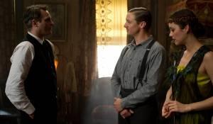 Joaquin Phoenix (Bruno Weiss), Jeremy Renner (Orlando the Magician) en Marion Cotillard (Ewa Cybulski)