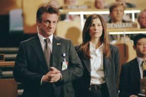 Sean Penn en Catherine Keener als haar partner, agente Dot Woods.
