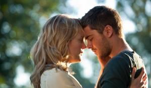 The Lucky One: Taylor Schilling (Beth Clayton) en Zac Efron (Logan Thibault)