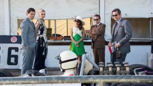 The Man from U.N.C.L.E.: Henry Cavill (Napoleon Solo), Elizabeth Debicki (Victoria Vinciguerra), Alicia Vikander (Gaby Teller), Jared Harris (Sanders) en Hugh Grant (Waverly)