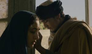 The Patience Stone: Golshifteh Farahani en Massi Mrowat (Young soldier)