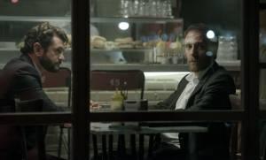 The Place: Vinicio Marchioni (Gigi) en Valerio Mastandrea (L'uomo)
