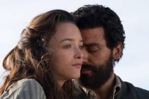 Charlotte Lebon (Ana) en Oscar Isaac (Mikael Pogosian)